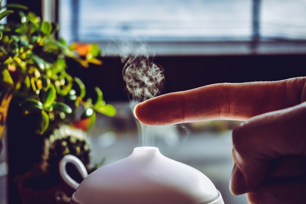 Use of diffusers for inhaling essential oils