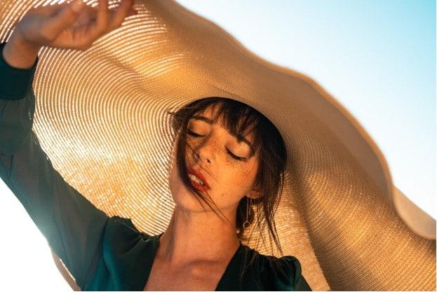 Aloe Vera helps to heals sun burns