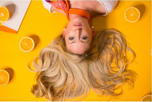 Lemon Essential Oils Helps To Get Rid Of Dandruff