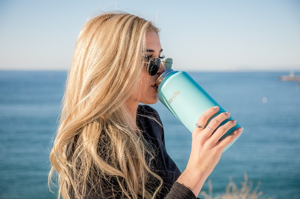 drinking water helps in healing our body from stretch marks